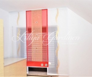 moderne Schiebegardinen in rot/gold